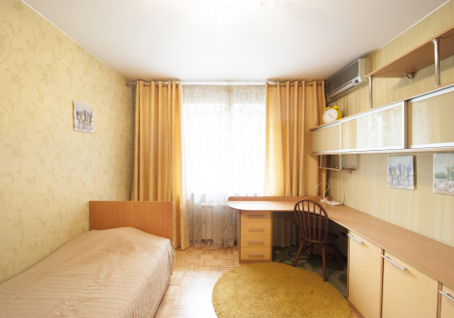 2-комнатная квартира, 85 м²  ул. Тарская, 22